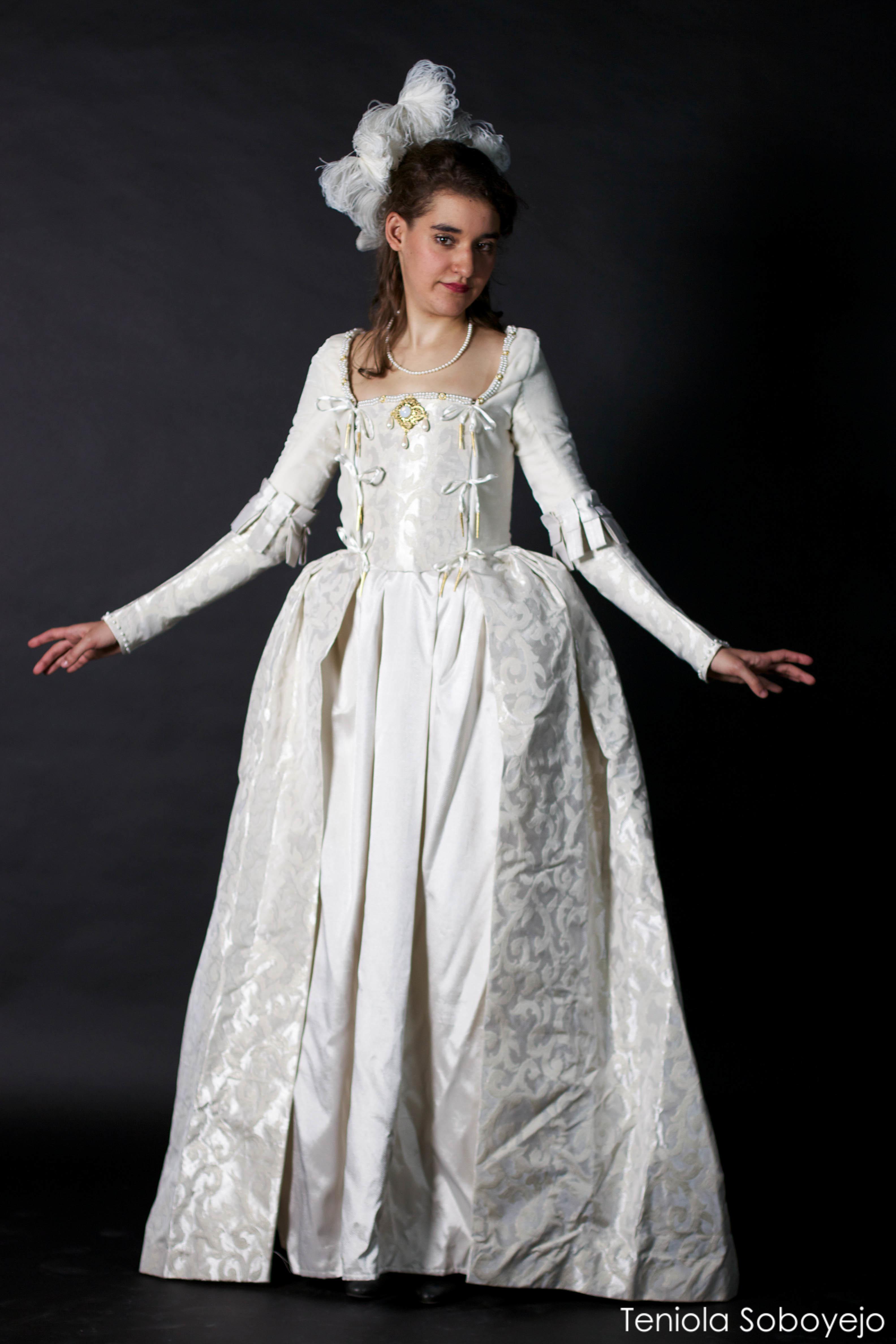 Tudor Gown : Samira Khadraoui